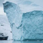 isberg och fartyg
