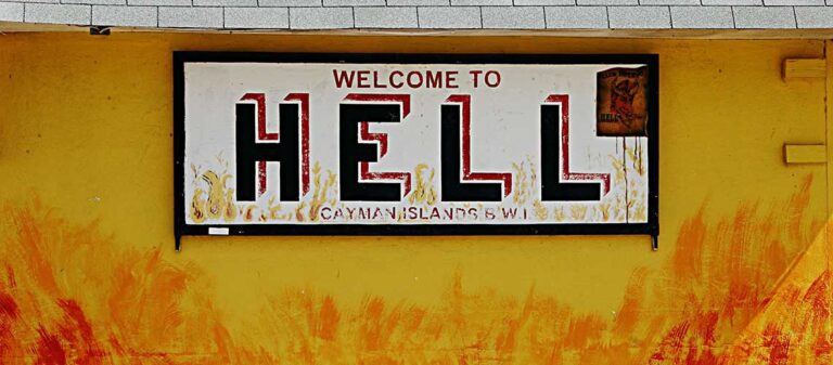 skylt med texten welcome to hell