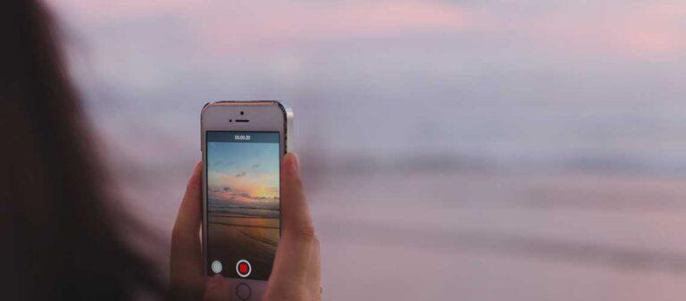 mobiltelefon med Instagram