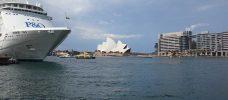 kryssningsfartyg och operabyggnad
