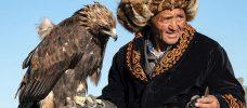 mongolisk man och örn
